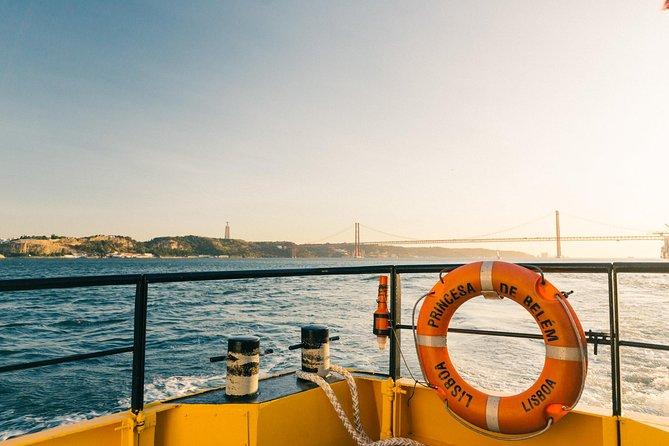 Excursão panorâmica em barco amarelo de Lisboa