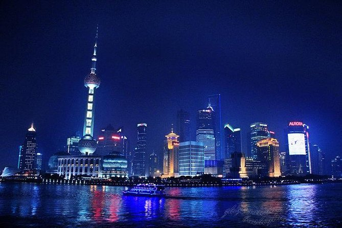 Zhujiajiao Water Town and Shanghai Night Cruise Group Tour with Dinner photo 3