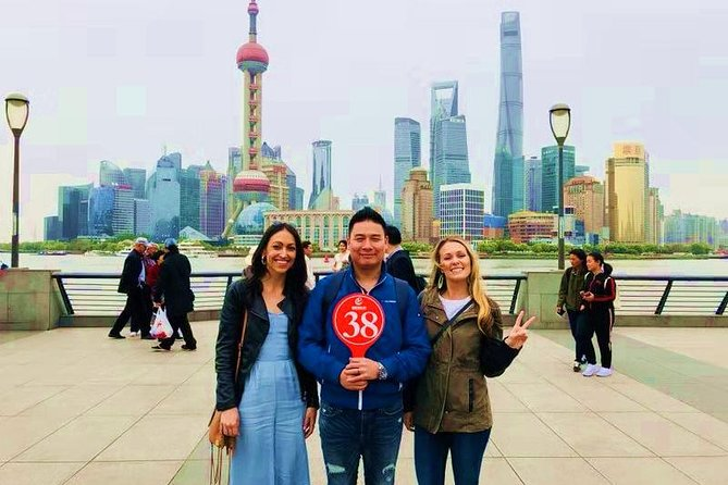 Morden Shanghai All Inclusive Private Walking Tour-Shanghai Tower+Yuyuan Garden