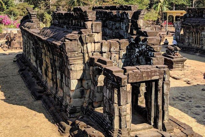 Angkor Wat Outer Circle Tour (Banteay Srei, Kbal Spean, Beng Mealea, Roluos)