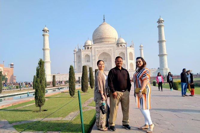 1 Day tour to Agra from Delhi by Car with 5 Star Lunch