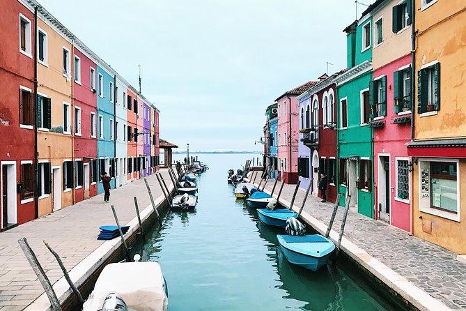 Full Day Tour to 5 Islands: Murano, Burano, Torcello, Vineyard tour & tasting