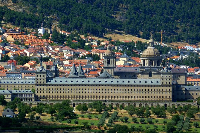 Full Day Tour to El Escorial, Valley of the Fallen and Segovia
