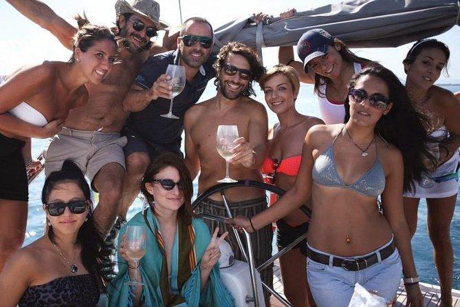 Sailing to Cyclops Islands Group Tour