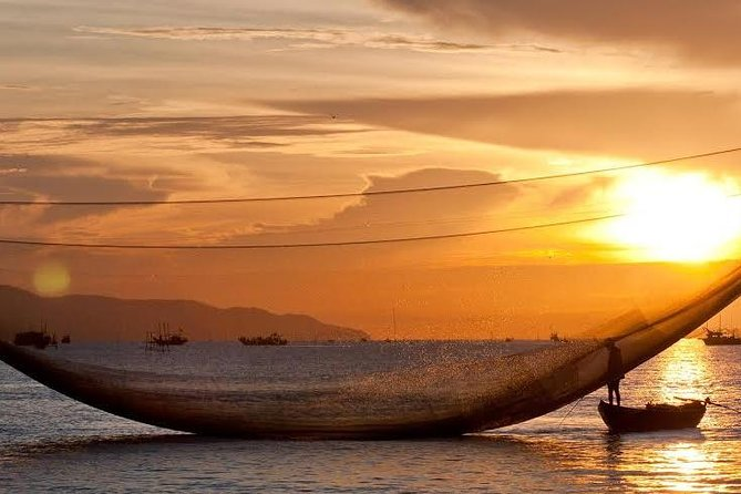 From Hoi An: Private Sunrise Boat Trip Tour