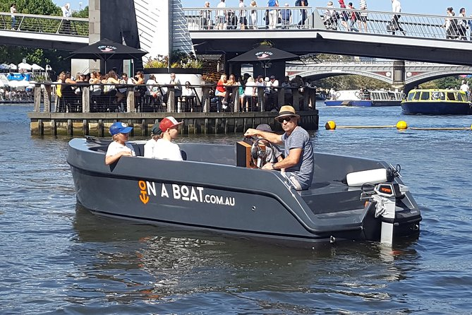 Skipper Yourself | Boat on Yarra