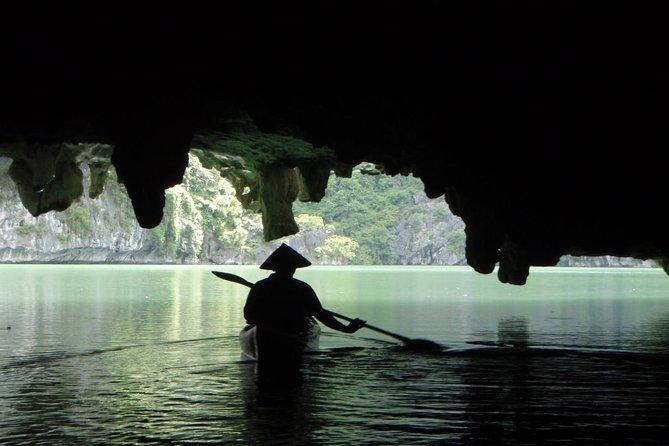 Kayaking in Cat Ba Island