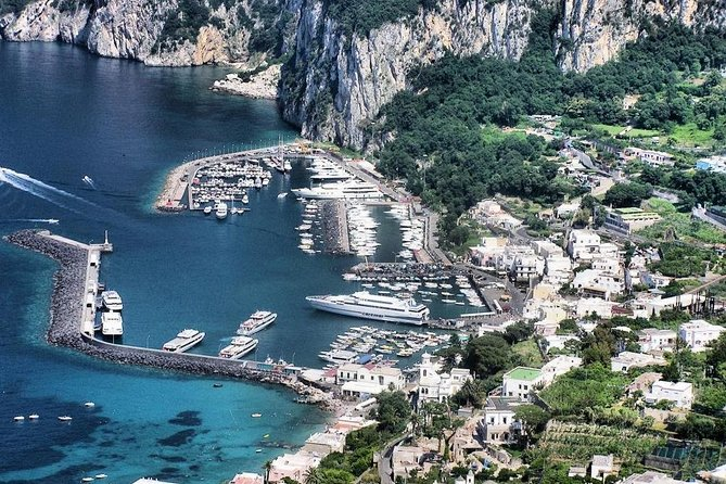 Capri Island Sightseeing Tour by Helicopter From Naples or Sorrento