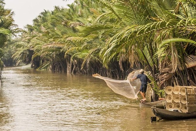 Full day Mekong Delta deluxe small group tour including lunch