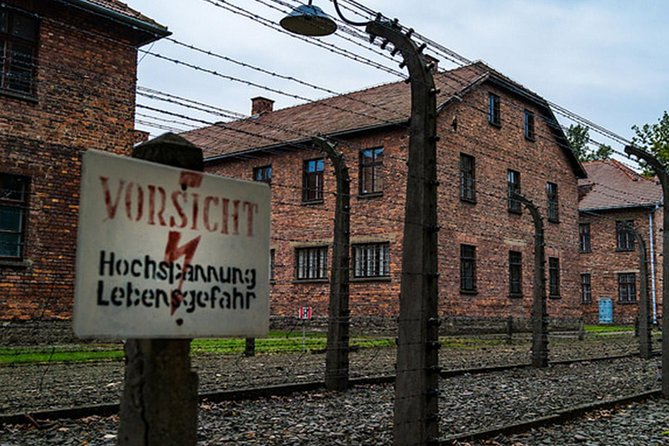 Auschwitz Birkenau Tour - English speaking guide and booklet in your language