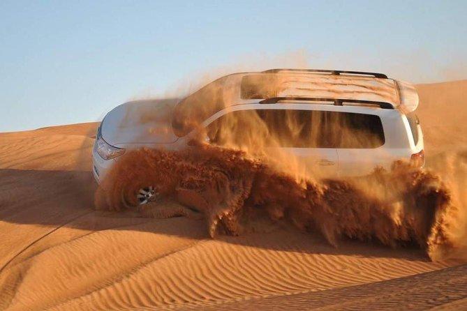 Small-Group Evening Desert Safari met diner en kameelrit