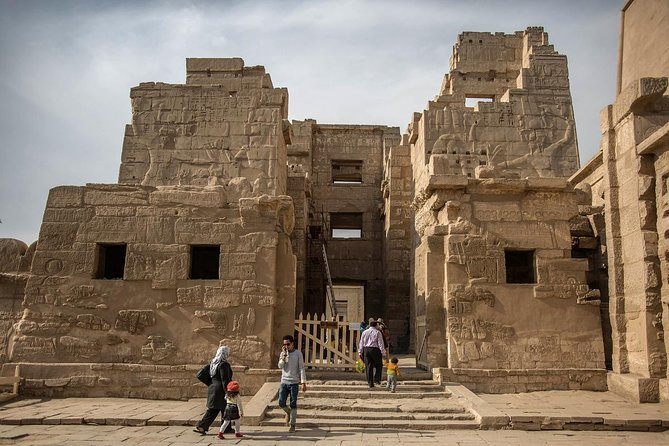 private guided tour West bank Ramesseum, Setti I temple & nobles tombs