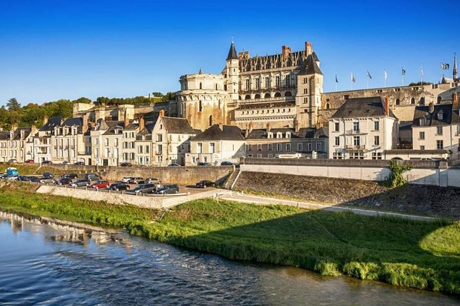 Private Transfer from Bayeux to Amboise - Up to 7 people