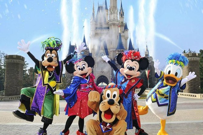 Shanghai Pudong airport transfer to Disneyland:Private with Meet & Great service