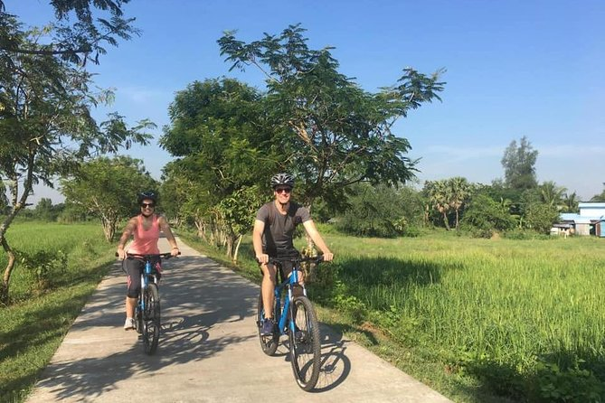 Dala and riverside villages by bike, half day (Yangon)