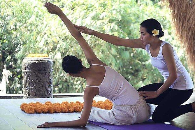 60 Minutes Morning Yoga in Varanasi with Transport