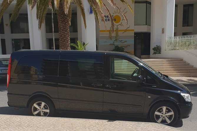 Faro Airport Private Transfer to ARMAÇÃO DE PERA (1 to 4 passengers)