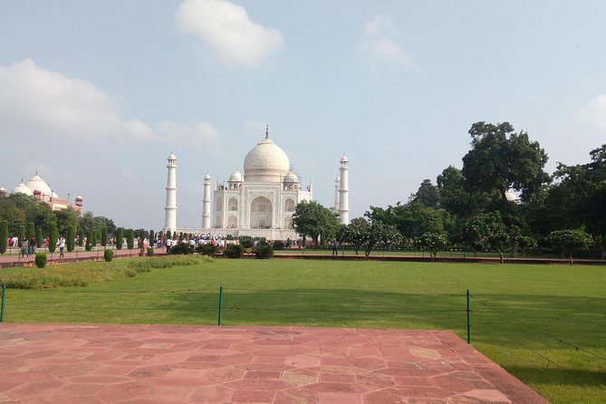 Private Guided: Agra Sightseeing Tour by Car