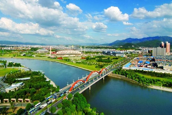 Private Day Trip to Yiwu International Trade City from Hangzhou by Bullet Train
