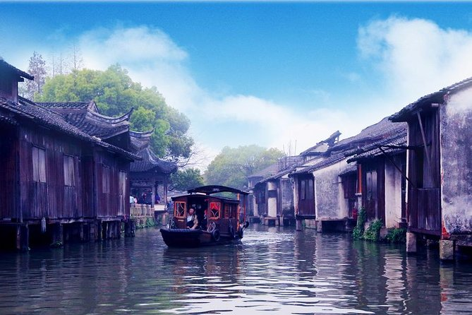 Hangzhou Private Tour to Wuzhen Water Town with Lunch or Dinner