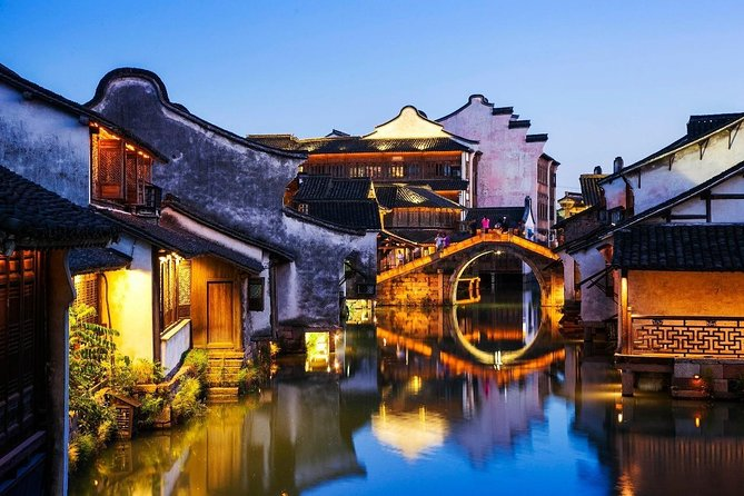 Hangzhou Private Tour to Wuzhen and Xitang Water Town with Dinner and Boat Ride