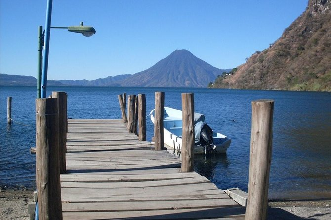 Hike to Atitlán volcano (2 days)