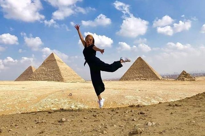 Tour: Egyptian Museum and Giza pyramids and Hanging Church