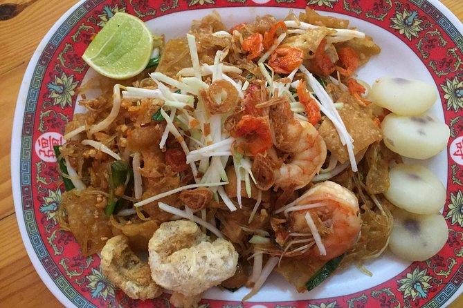 Food Tour Day to Night Floating Market & Yaowarat