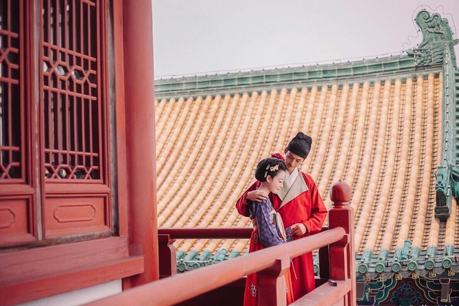 Forbidden City Walking Tour in Hanfu Costume and Photo Shooting Experience