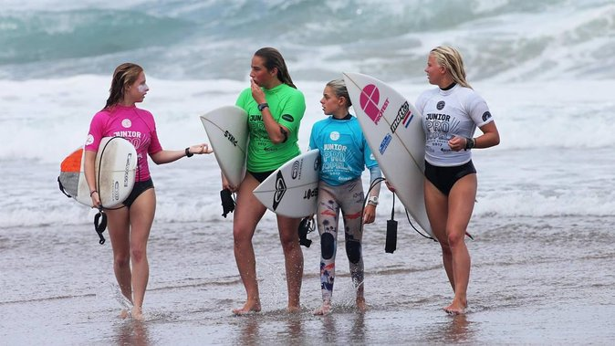 SURF LESSON & HORSE RIDE & LUNCH & VALPARAISO CITY TOUR