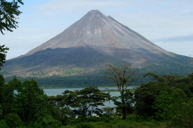 3 Days - 2 Nights: Arenal Volcano & Monteverde Adventure from San Jose