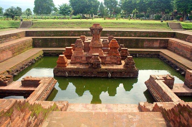Majapahit Heritage Archaelogy tour via surabaya