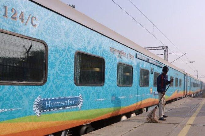 Agra Trip Gatiman Train