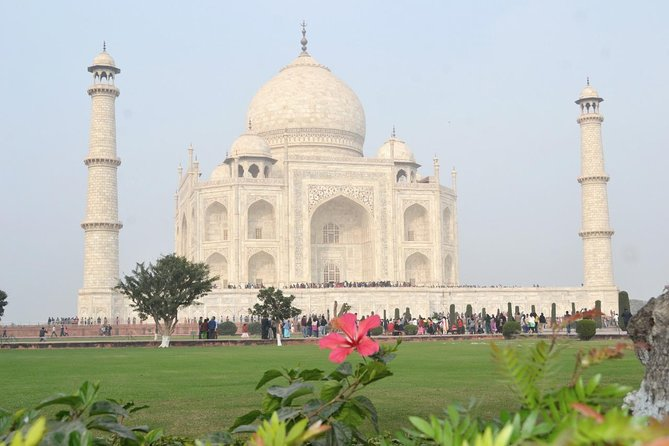 Same Day Taj Mahal Tour With Lunch and Entrances