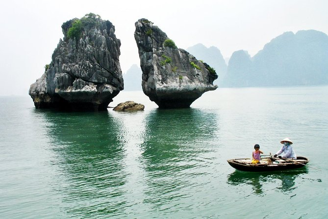 Hanoi to Halong by luxury car transfer