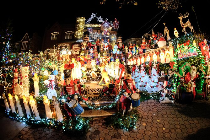 Brooklyn Christmas Decorations Guided Tour in French