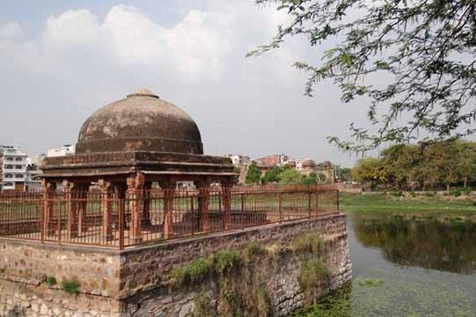 Walking Tour Of Mehrauli With Lunch - Delhi