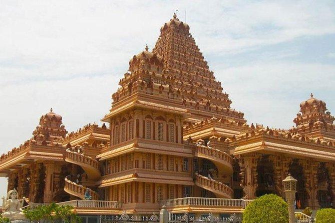 Morning Tour Of Chhatarpur Temples And Qutub Minar In Delhi With Tuk-Tuk Ride