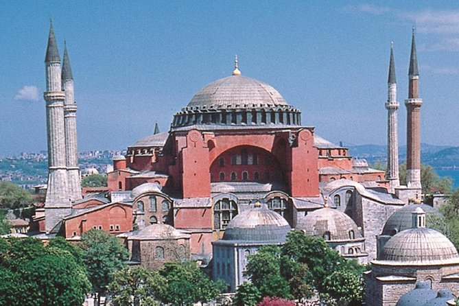 Private Tour -Istanbul In A Day & Skip The Line At Hagia Sophia & Topkapı Palace