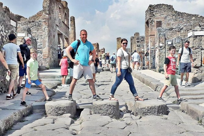 Small-Group Tour of Pompeii for Children & Families with Kid-friendly Guide