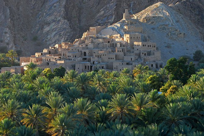 Fascinating Forts of Oman (Nizwa - Jabreen - Bahla) Day Tour