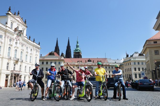 PRIVATE Live-Guided 180 min Glorious e-Scooter - eBike tour
