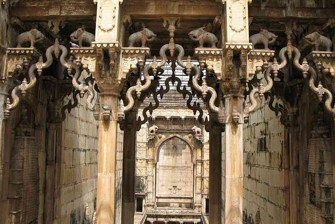 Private 6 Days Stepwell Tour in Rajasthan with Ranthambore Wildlife Safari