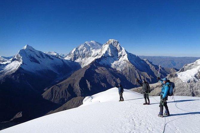 Discover a world of Adventure: Climbing Pisco (4 days)