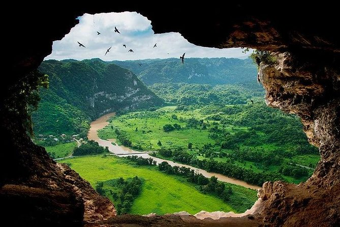 Window Cave (Cueva Ventana) and waterfall tour with transportation from San Juan