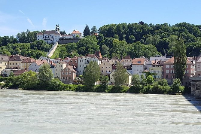 Scenic Private Transfer from Passau to Prague photo 3