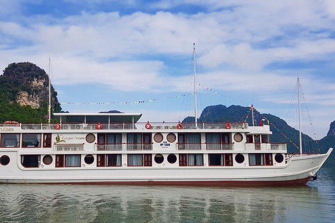 Calypso Cruises & Lan ha bay 2 days/ 1 night Tour: Visit Halong Bay & Lan Ha bay