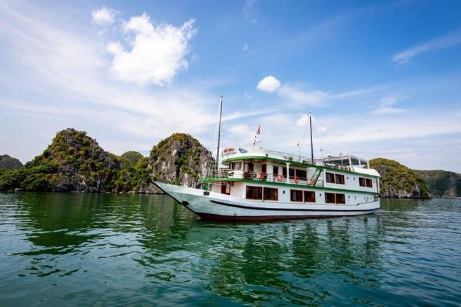 Venezia Cruise 2 days, 1 night deal: Visit Halong bay - Lan ha bay - kayaking