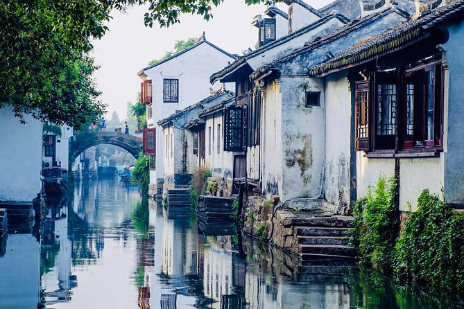 Private Suzhou and Zhouzhuang Water Village Day Trip with Lunch from Shanghai