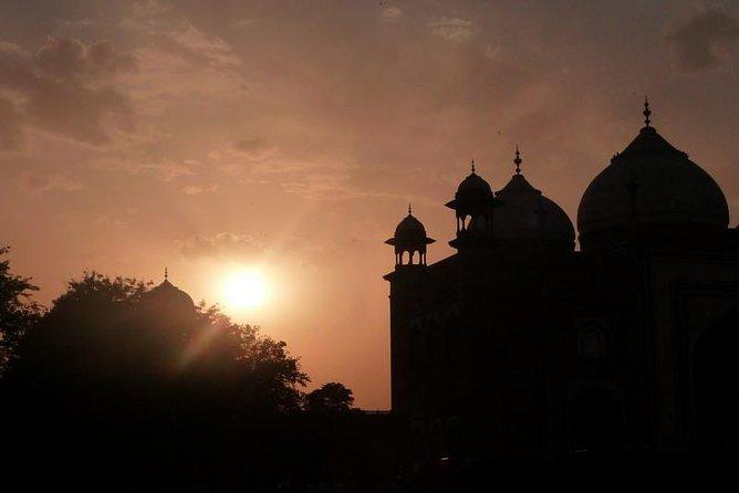 Sunrise Taj Mahal Overnight Agra Tour from Delhi